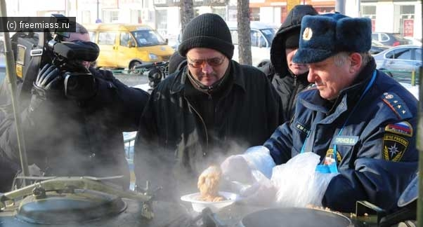 В холода на М5 водителей накормят и обогреют